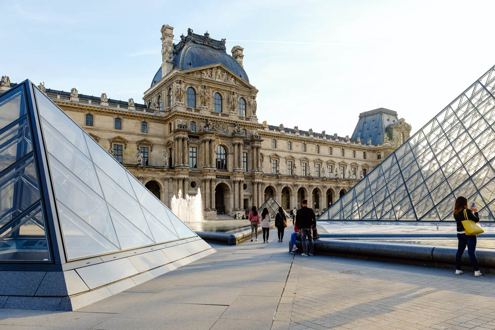 louvre-museum-paris-france-2574636